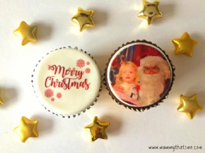A simplistic Christmas display by Mummy That's Me upon sampling our two cupcake flavours