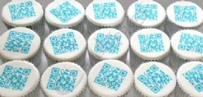 Cupcakes with fully scannable QR codes printed on top!