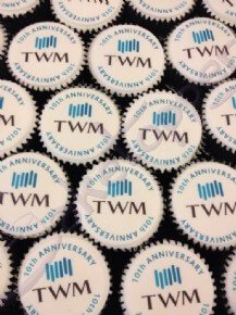 The Working Manager (TWM) exhibition logo cupcakes