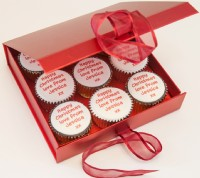 Christmas Message Cupcakes Gift Box