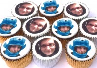 12 Cupcakes with multiple photos
